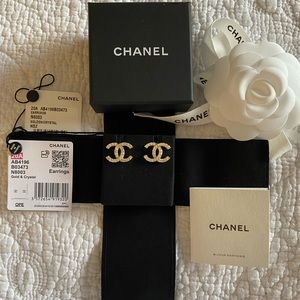 NEW CHANEL Crystal Timeless CC Earrings Gold AUTH.